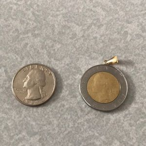 Jewelry - Italian 500 Lire coin pendant 1984
